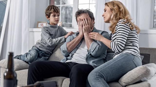 Como ajudar um pai alcoólatra