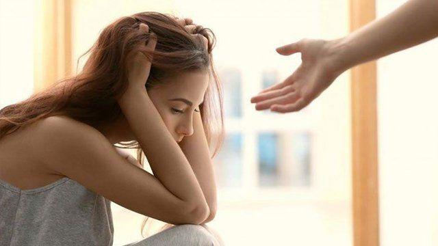 Como ajudar uma pessoa com depressão que não quer ajuda?