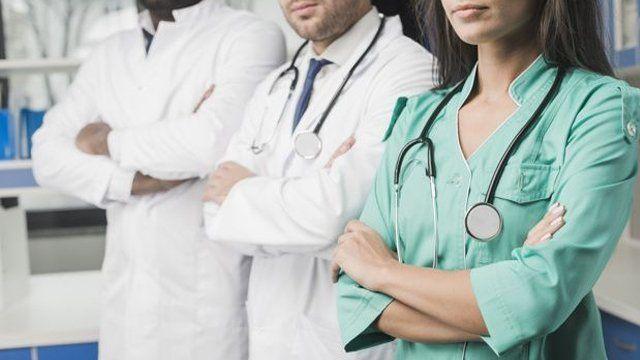 clínica de repouso para pessoas com esquizofrenia